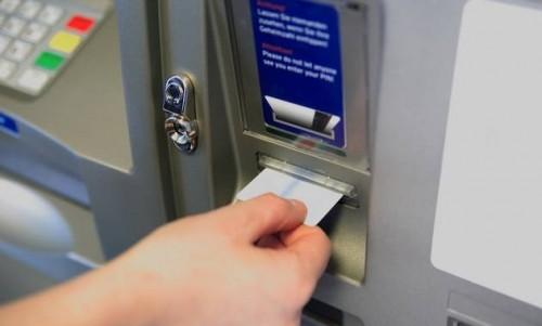 Ce_comisioane_au_băncile_pentru_operaţiunile_la_bancomat_nici_consultarea_contului_nu_mai_e_gratis_Ziarul_Financiar_-_2014-09-04_01.09.47.png