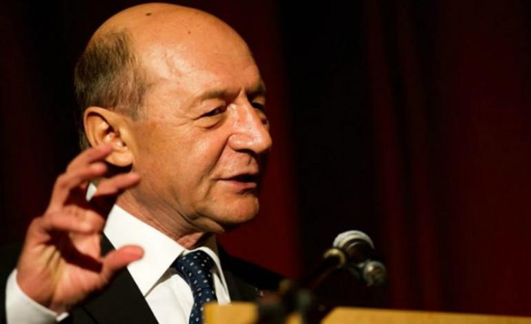 Asociatia Investitorilor il contrazice pe Basescu: Nuclearelectrica trebuie sa cumpere uraniu de unde este mai bine pentru actionari