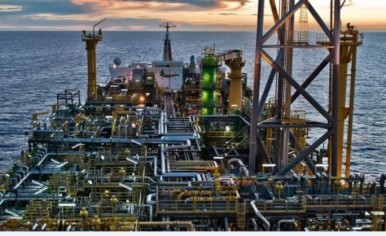 Shell depaseste Chevron si devine a doua mare companie privata petroliera din lume, dupa ExxonMobil