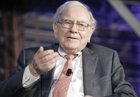 Warren Buffet a trebuit sa le explice actionarilor de ce actiunile Bershire Hathaway au scazut cu 12% anul trecut