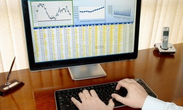 Un actionar cere revocarea administratorilor BRK Financial Group