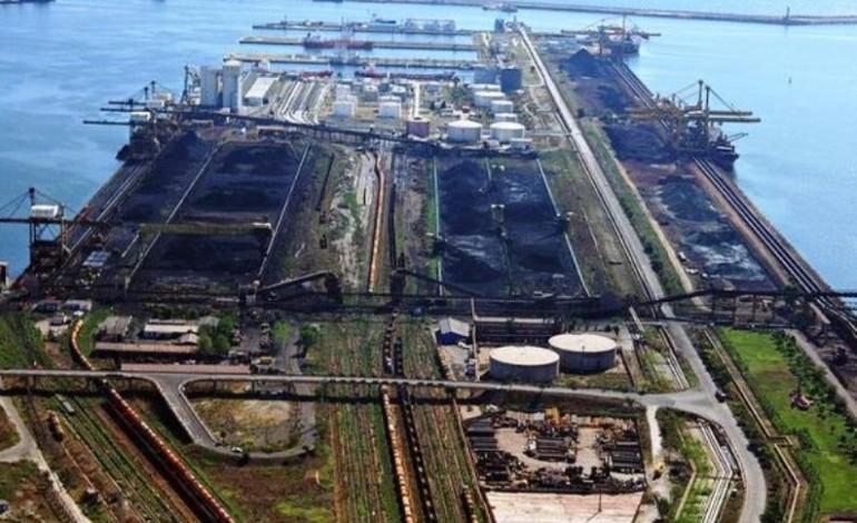 Un barbat de 94 de ani a cumparat inca 3% din actiunile Oil Terminal si detine peste 5% din societatea care opereaza cel mai mare terminal petrolier al Romaniei la Marea Neagra