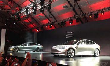 Tesla anunta pierderi de 2 ori mai mari fata de estimari in T2. Toyota, profit mai mic cu 14,5%