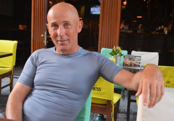 Mugur Mihaescu: Nu m-am obisnuit si nu o sa accept niciodata legea antifumat