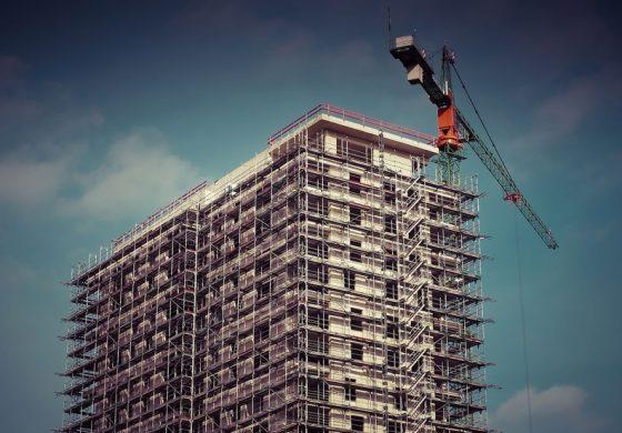 Sectorul constructiilor a revenit pe plus in septembrie, cu un avans de 0,7%