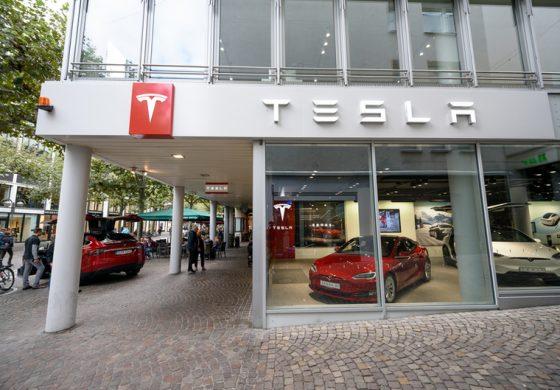 Masina cu cea mai rapida acceleratie din lume, Tesla Model S, va deveni in curand si mai rapida