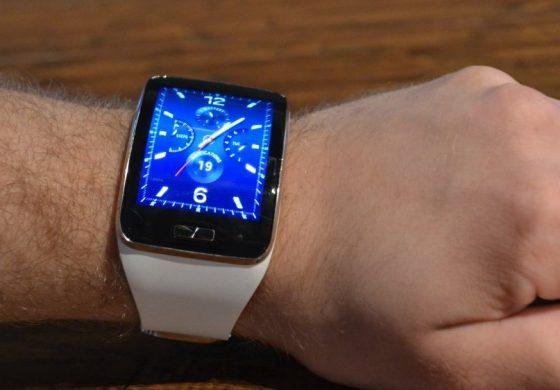 5 motive pentru care merita sa iti cumperi un smartwatch