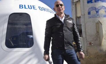 Jeff Bezos a dat în judecată NASA, pentru un contract acordat lui Elon Musk