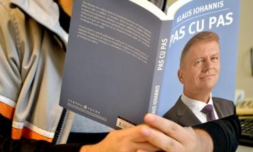 LOVITURA uriasa pentru Klaus Iohannis: Nu el a scris cartea Pas cu Pas