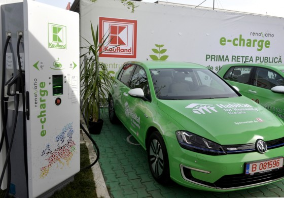 Kaufland si Renovatio creeaza o retea de 10 statii de incarcare rapida a masinilor electrice intre Arad si Constanta