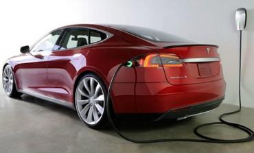 Elon Musk: Tesla Model 3 are deja 232.000 de comenzi si va trebui sa regandim planificarea productiei