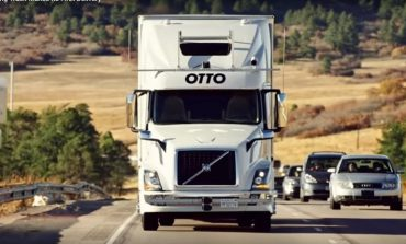 Uber a realizat primul transport de marfa cu un camion fara sofer: 45.000 de cutii de bere (VIDEO)