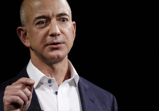 Jeff Bezos vinde actiuni Amazon in valoare de 1 miliard de dolari, in fiecare an, pentru a-si finanta misiunile spatiale